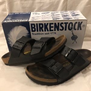 Black leather & cork Birkenstock Arizona sandal